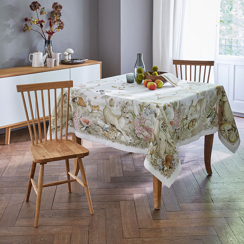 Nappes le linge de table l gant en lin aux motifs de for t en automne hagen grote suisse Linge de table luxe